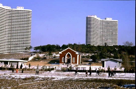 Chilgol Church in Pyongyang, amidst the highrises (Photo by EW)
